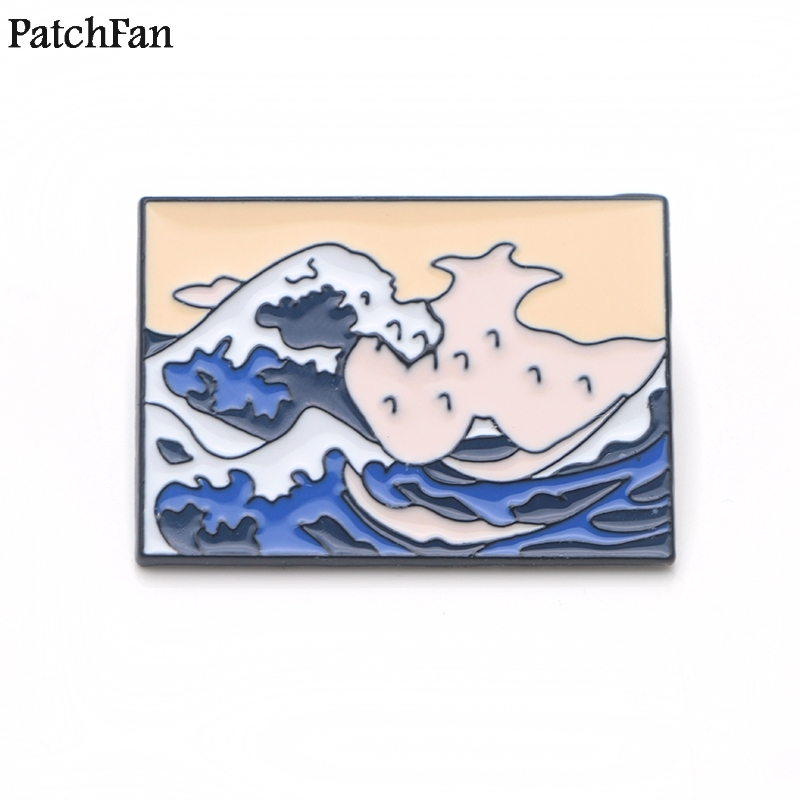 20pcs lot Patchfan The Great Wave off Kanagawa Zinc Funny Pins backpack clothes brooches for men
