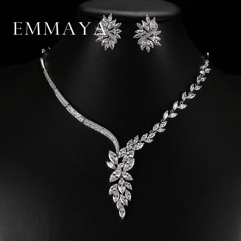 Emmaya Necklace Stud-Earrings Bridal-Jewelry-Sets Wedding-Accessories Unique-Design Choker title=