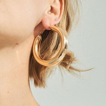Boucles d'oreilles couleur or ou argent Boucles d'oreilles Bella Risse https://bellarissecoiffure.ch/produit/boucles-doreilles-couleur-or-ou-argent/