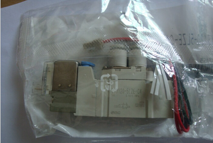 BRAND NEW JAPAN SMC  GENUINE VALVE SY3120-5LZE-C4 fuel shut off solenoid valve coil 3964624 fits excavator engine