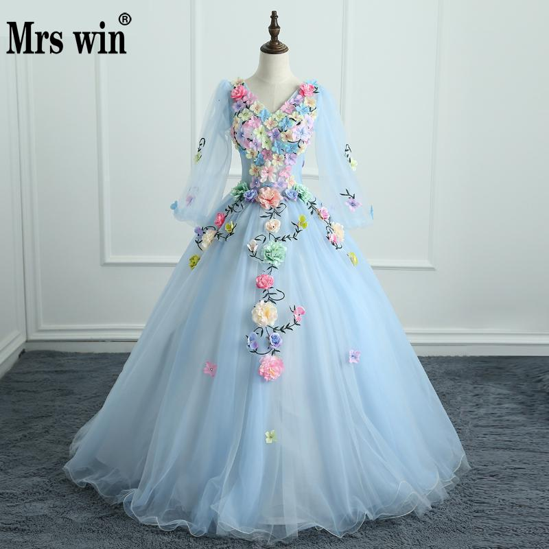 Cheap Quinceanera Gowns 2018 Handmade Flowers Crystal Debutante Gowns Lace V-neck Ball Gown Luxury Quinceanera Dresses