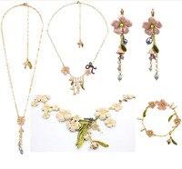 Les néréides Lily lily Fleur bijoux Collier Bague Boucle D'oreille stud Ensembles Bracelet Chandail Collier Nouvelle Arrivée En Gros Prix