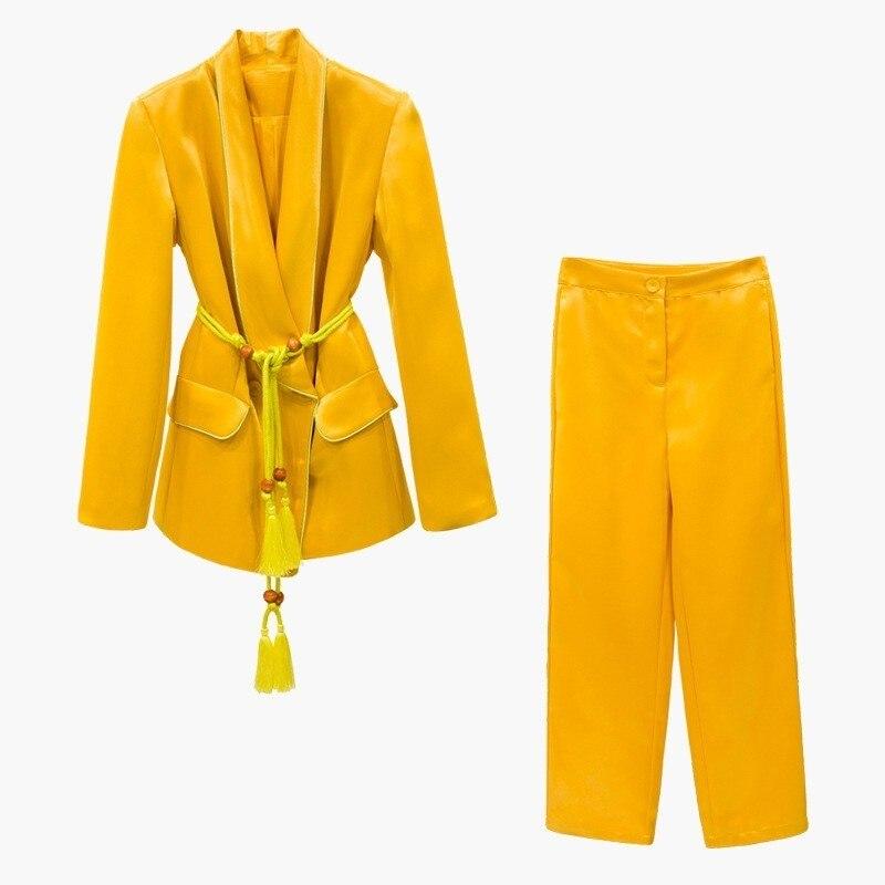 Kadın Giyim'ten Kadın Setleri'de TWOTWINSTYLE Lace Up kadın Takım Elbise Uzun Kollu Blazer Mont Yüksek Bel Geniş Bacak Pantolon Iki Parçalı Setleri 2019 Sonbahar moda Stil'da  Grup 3