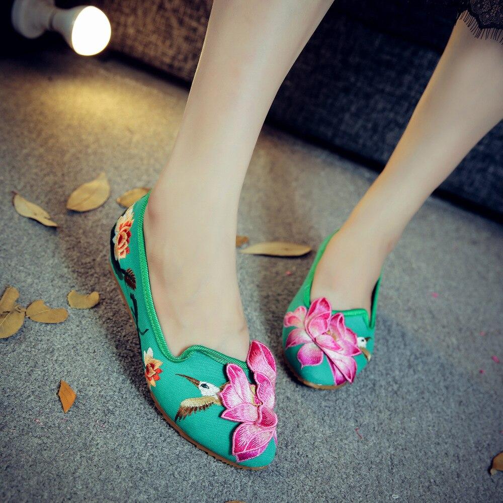 Vert Appartements Mode Taille De Fleur Grande Pas Vache Cher Mocassins Broderie Plat Dames Toile Muscle Femmes Chinois Conduite Nouvelles Chaussures wFqH5