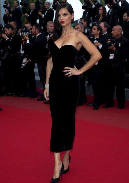 6c4953c67ef6 Cheap Black Satin Straight Celebrity Dresses 2018 Sweetheart Off Shoulder  Tea Length Zipper Back Red Carpet Dresses-in Celebrity-Inspired Dresses  from ...