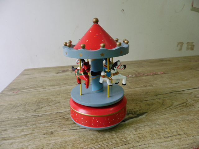 Music Boxes Retro Wood Wooden Merry Go Round Horse Carousel Music Box 319