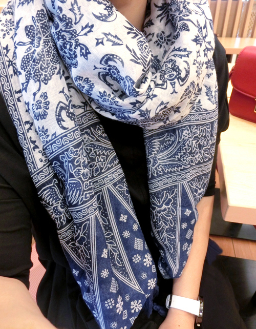 2017 new national wind Women Cotton Voile Scarf blue and white porcelain pendant shawl pattern size105*180cm