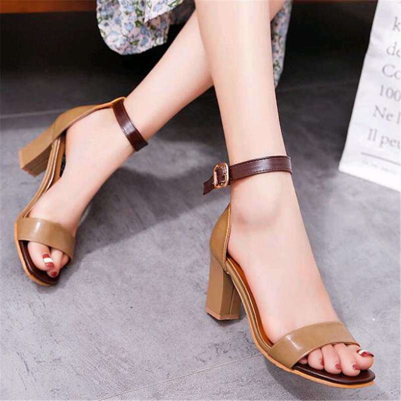 2019 Korean Version of The New Summer High Heels Sandals Female Summer Thick with The Word Buckle Small Yards High-heeled Sandal high heels