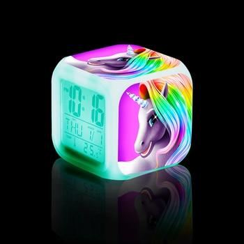 Reloj digital LED que brilla en la oscuridad
