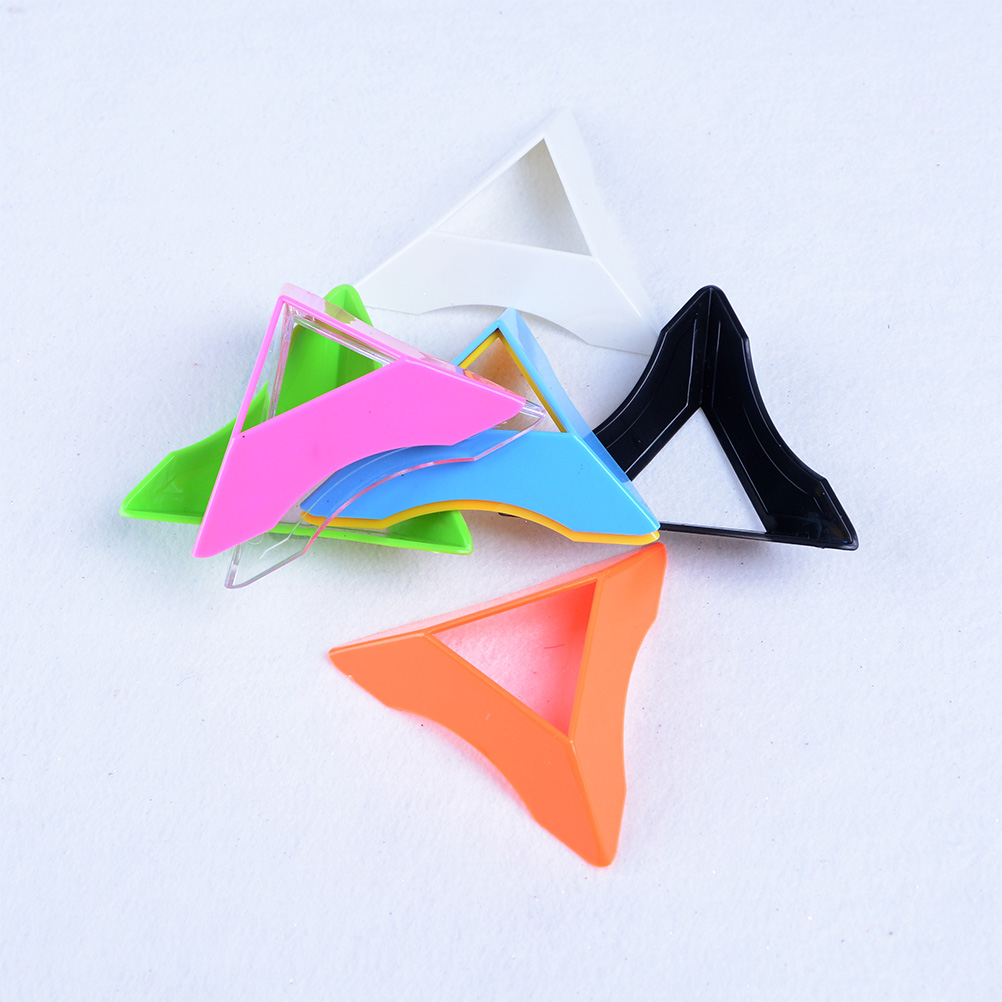 8 Colors 1Pcs Colorful 7.5cm Plastic Triangle Universal Magic Cube Base Holder Frame Stand Tower Accessories