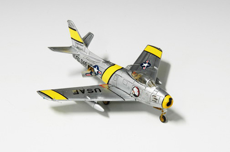 Assembly model <font><b>Trumpet</b></font> hand model 1/144 North America 01320 aircraft Toys image