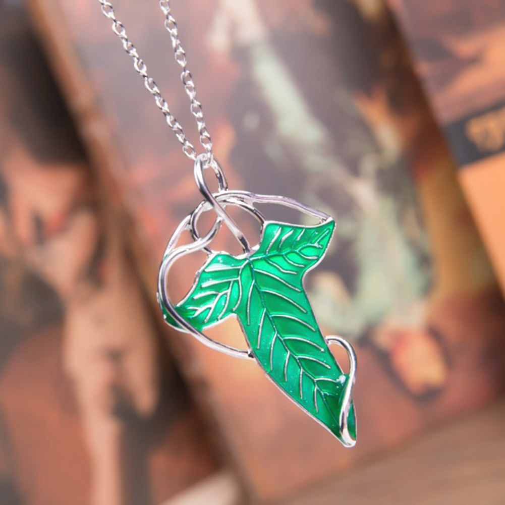 Trendy Vintage Green Leaf Pendant Necklace