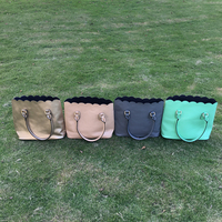 Groothandel Blanks PU Kunstleer Materiaal Geschulpte Portemonnees Vrouwen Mode Draagtas Handtas met Geschulpte Rand DOM103172