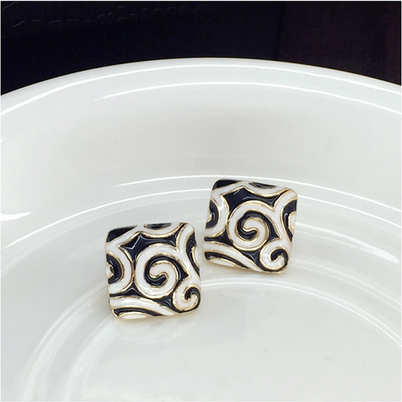 Square Earring  2