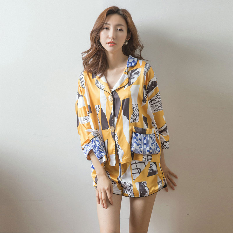 Sexy silk robe 2017 spring and autumn new fashion brand pajamas wind hit color Home Furnishing Woman Pajamas Suits