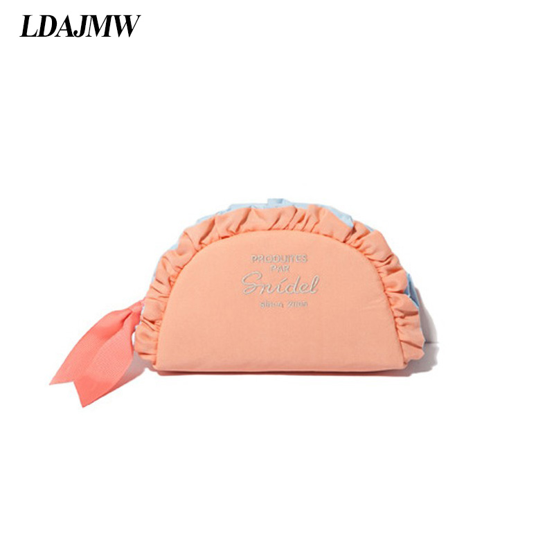 LDAJMW South Koreas Wave Lace Woman Lovely Cosmetic Bag Small Portable Make up Storage bag For Travel Outdoor Handbag
