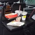 2016 Universal Preto bandeja do alimento dobrável mesa de jantar Carro pallet banco traseiro do carro titular bebida suporte de copo do carro de água