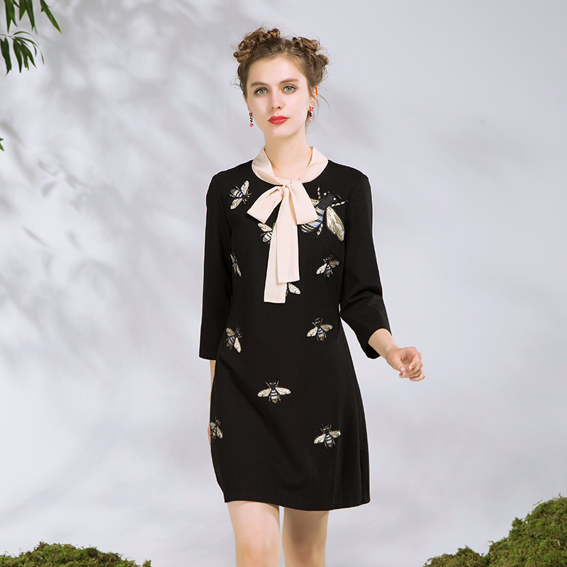Cute Animal Bee Embroidery Sequined Women Casual Dress 5XL Plus Size Clothing 2018 Spring Runway Designer Ladies Dresses