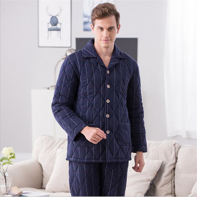 Invierno nuevo Punto de tres niveles de la carpeta de los hombres pijamas de algodón de manga Larga establecidos Botón Da Vuelta-abajo de la capa ropa de hogar