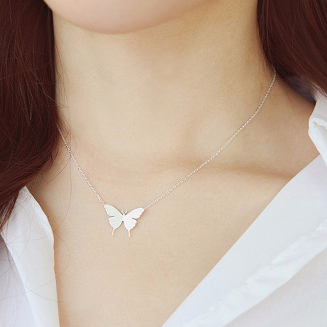 1Pc 2016 New Lovely Gold Silver Plated Butterfly Necklace for Women Simple Insec
