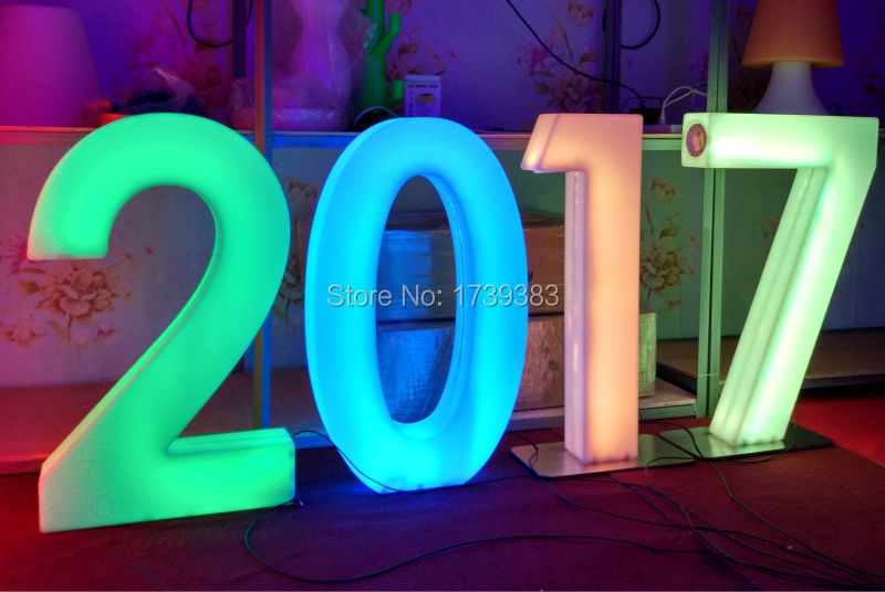 Waterproof Height 82cm Plastic LED Light Up Numbers Rechargeable Luminous figures sign for Wed Events Decoration