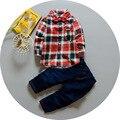 2017 Primavera Meninos Roupas de Bebê da Manta de Algodão Lapela Collar Blusa Tops + Calças Jeans Calças de Brim Conjuntos de Roupas Ternos roupas de bebes