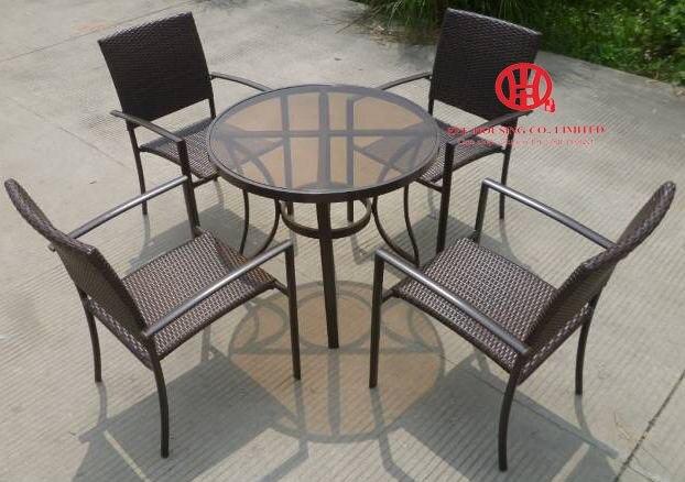 € 726.03 |Moderno juego de comedor de mimbre para patio y exterior,  elegante mesa de comedor de aluminio para jardín y silla de ratán-in  Puertas ...