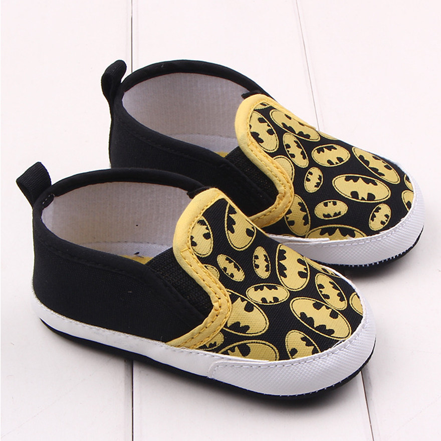 Черные детские ботинки унисекс с героями мультфильмов; детская кроватка на мягкой подошве; семейная домашняя обувь для мальчиков и девочек; обувь для малышей; обувь для новорожденных - Цвет: Black