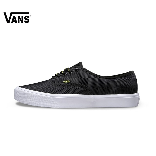 ae673c66d9b3 Men Black Vans Sneakers Low-top Trainers Sports Skateboarding Shoes  Breathable Rubber Flat Classic Canvas Vans Shoes for Men