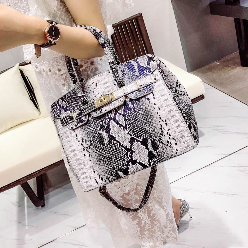 SGARR Luxury Designer Women PU Leather Handbags Fashion Ladies Serpentine Patten Shoulder Bag Casual Female Tote Crossbody BagsSGARR Luxury Designer Women PU Leather Handbags Fashion Ladies Serpentine Patten Shoulder Bag Casual Female Tote Crossbody Bags