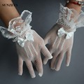 Elegant Short Bridal Gloves Finger Elastic Tulle Ivory Wrist Wedding Gloves With Lace Bow Gants Femme Mariage Real Photos