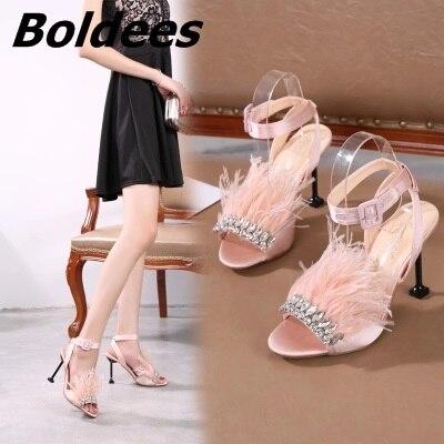 Designer à la mode une ligne boucle Style cristal haut talon sandale chaussures femme fourrure talons aiguilles talons hauts cristal sandales de mariage - 2