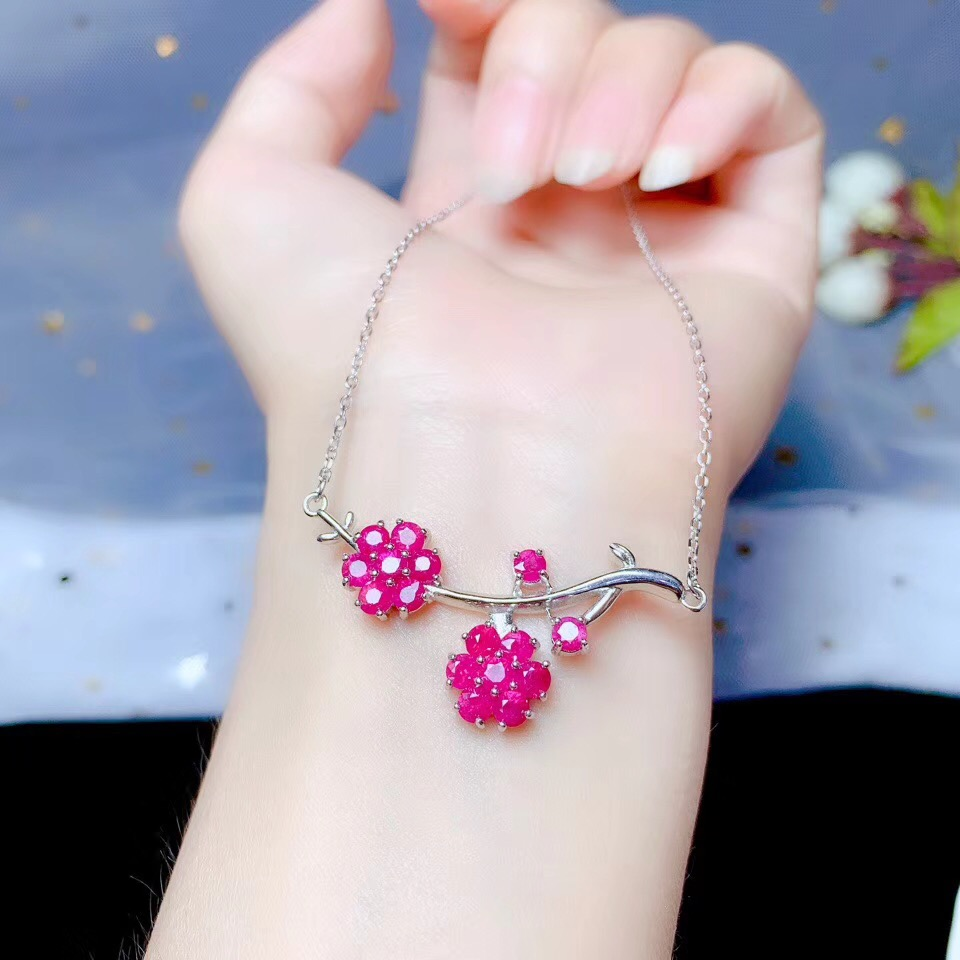 The latest design 925 pure silver Natural Ruby Necklace personality fashion leading jewelry vane
