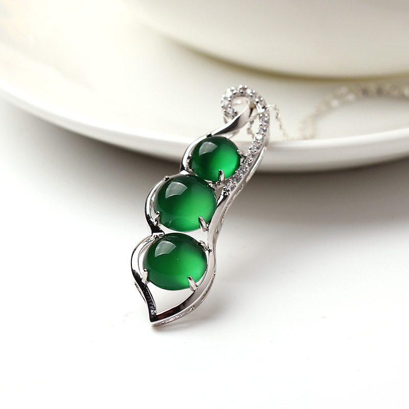 925 Sterling silver necklace Green chalcedony beans Agate Jade Pendant Emerald natural semi-precious stones Girlfriend gift
