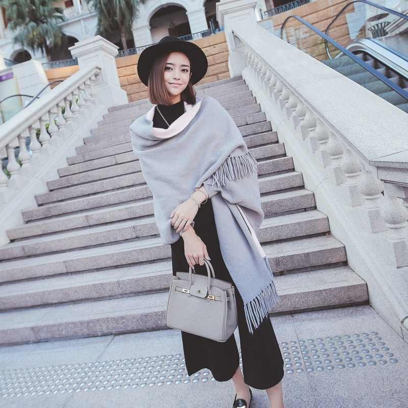 شال المعطف الكشمير الجديد مع الأكمام النساء في الخريف والشتاء سميكة دافئة على الوجهين الصلبة شرابة عباءة الفتيات