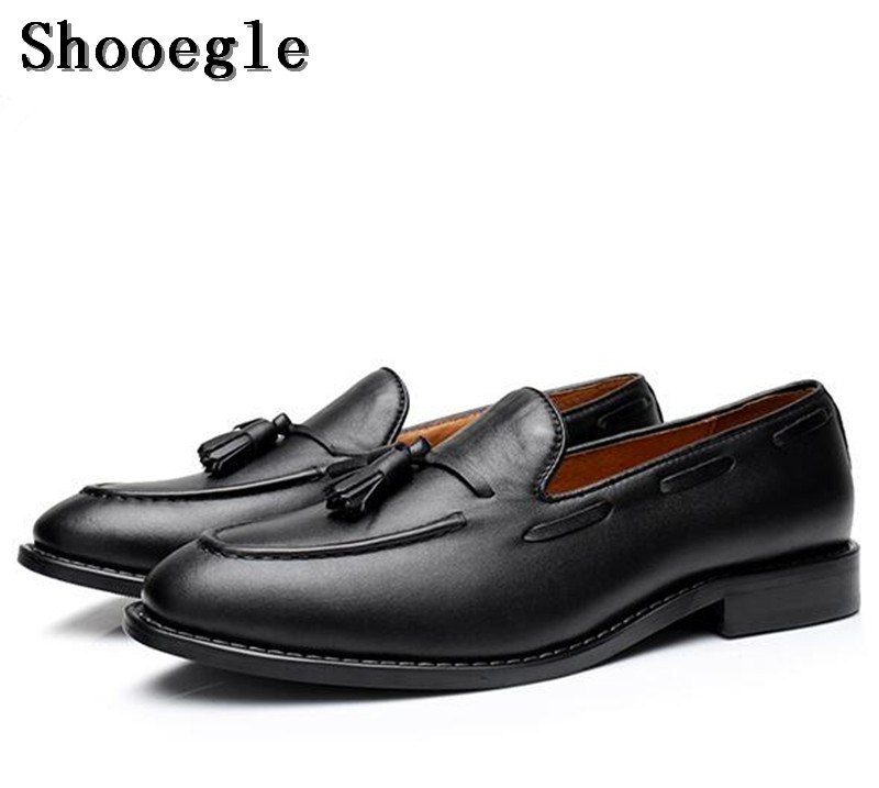 SHOOEGLE Men Luxury Handmade Tassel Loafers Shoes Slip on Black Leather Gentleman Casual Shoes Men Wedding Dress Business Shoes oudiniao men shoes big size lace up comfort split leather men casual shoes handmade loafers luxury slip on mens shoes casual