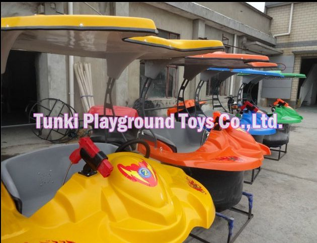Hot-selling new design amusement water electric bumper boat & yachts for sale