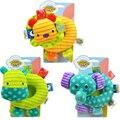 3 as cores do bebê chocalho animais palma sino apaziguar sineta brinquedos dos desenhos animados brinquedo com sino Brinquedo Do Bebê Chocalhos & Mobiles