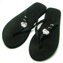 Fashion CHEER HEART Charm Flip Flops Decorative Ornament Buttons Summer Slippers Decoration Jewelry Accessories 3PRS X
