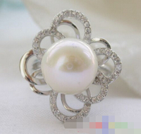 00458 WHITE ROUND FRESHATER PEARL RING
