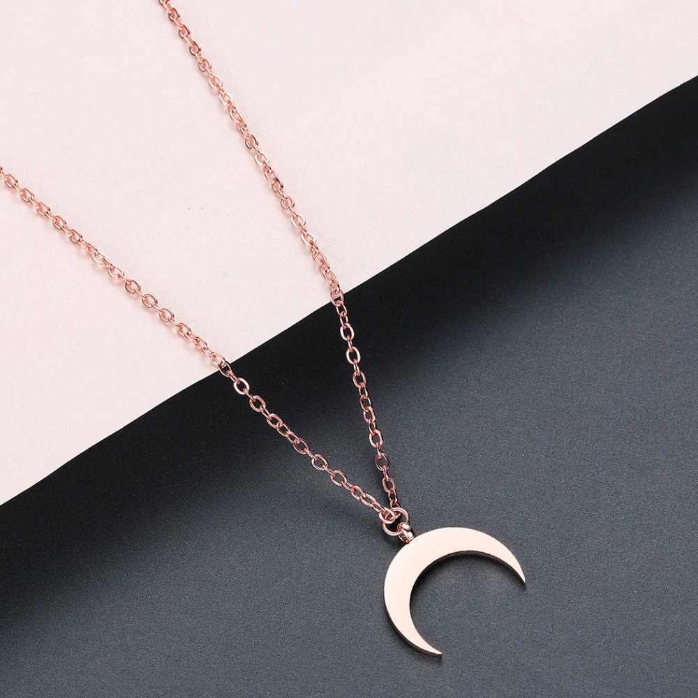 Chandler Summer Stainless Steel Crescent Moon Necklace Fashion Golden Rose Gold Moon Pendant Clavicle Chain Necklaces For Women