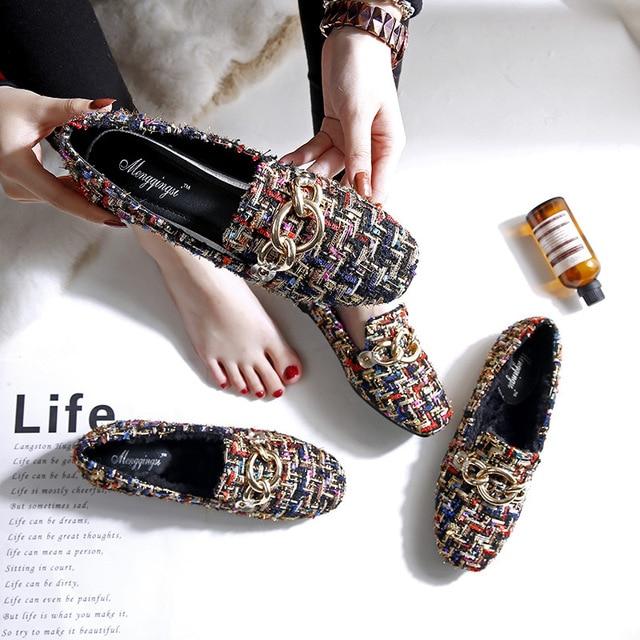 Colorido pano de lantejoulas sapatos baixos mulher corrente de metal decoração apartamentos multi-cor brilho mulas flats loafers pelúcia grande sizey473