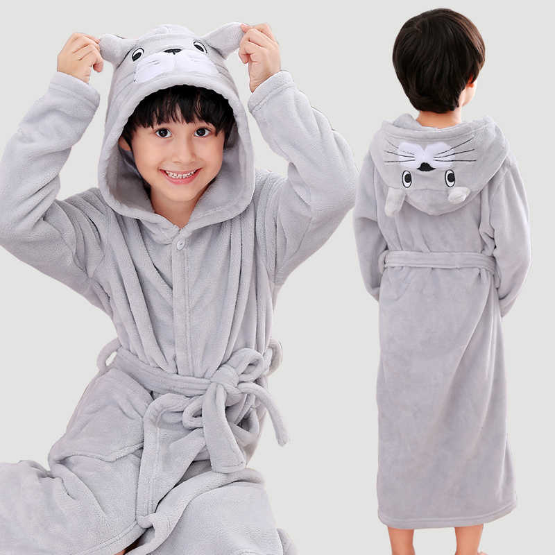 New Arrival 2018 Winter Children Bath Robe Cartoon Flannel Dressing Grows for Girl Hooded Boys Sleepwear Cotton Teenage Bathrobe