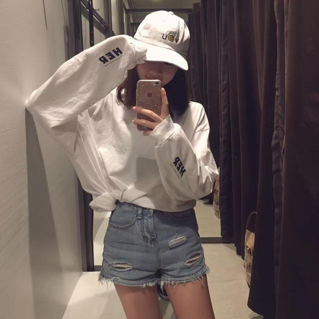 2017 Outono Ulzzang Harajuku Do Vintage chique manguito vento letras A impressão digital DELA com T-shirt de manga comprida para homens e mulheres Freeshipping