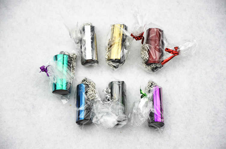 Dünyanın en küçük armonika 4 delik 8 ton mini armonika kolye silindirik Renkli sevk rastgele