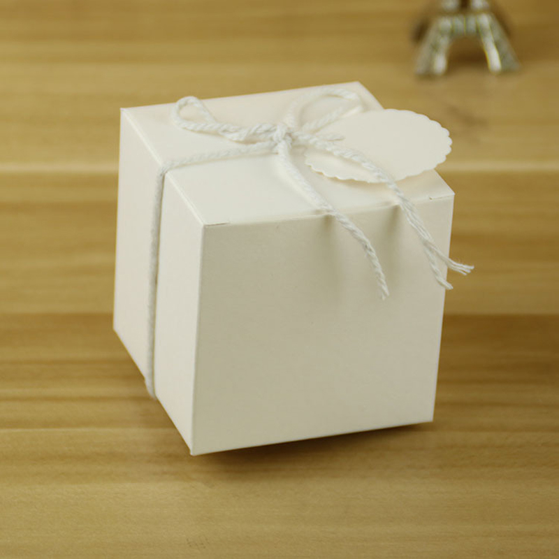 50PCS Kraft Paper Square Candy Boxes Wedding Party Gift Favor String Tags Box50PCS Kraft Paper Square Candy Boxes Wedding Party Gift Favor String Tags Box