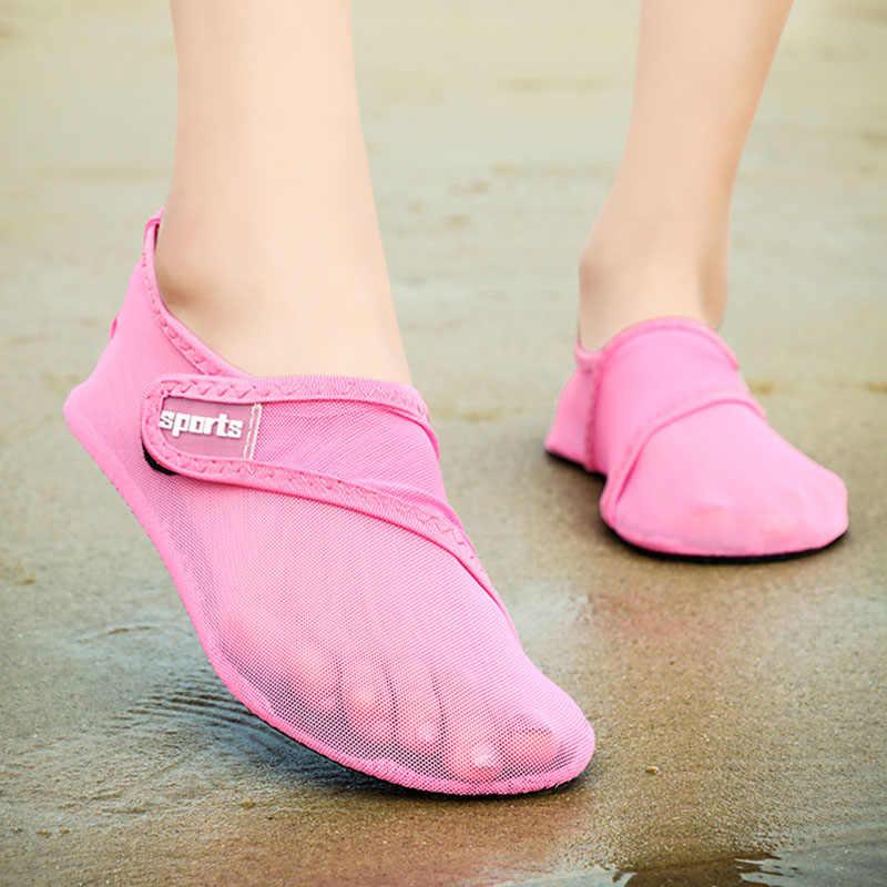 Мужская обувь повседневные сетчатые модные кроссовки для мужчин, брендовые трендовые дышащие летние туфли на плоской подошве, Рабочая обувь без шнуровки, большие размеры 38-48