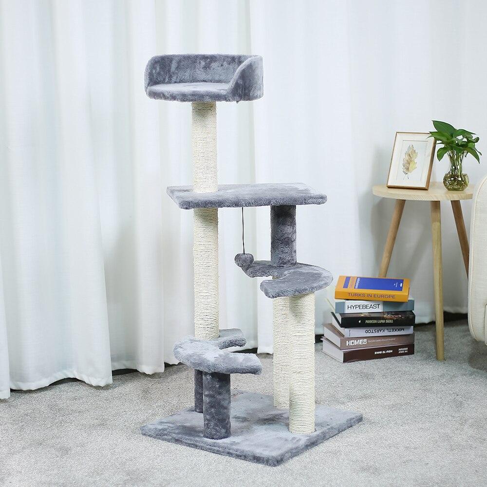 Gato doméstico juguete arañazos madera escalada árbol gato saltando ...