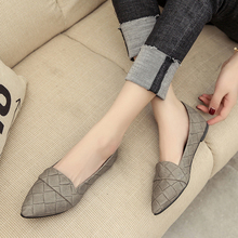 купить New Fashion Women Flats Pointed Toe Shallow Women Shoes Casual Concise Flats For Women по цене 790.69 рублей