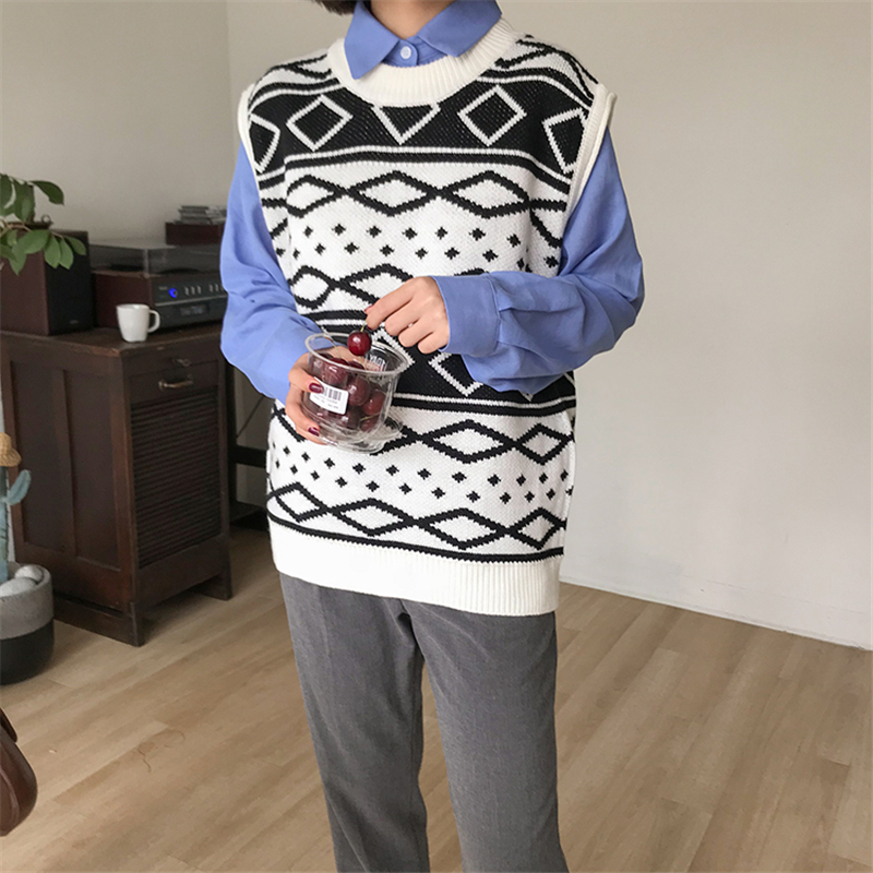 Kpop Harajuku Pullover Women 2018 Spring New Style Women Sweater Retro Ribbed Black and White Colour Block Knitting Sweater Vest